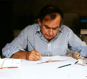 Gaëtan du Chatenet is writing